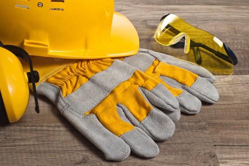 Blast resistant construction gear